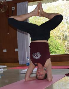 emma headstand use